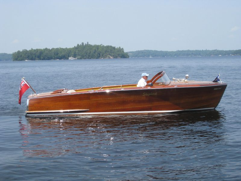Shepherd runabout, 24 ft, SOLD