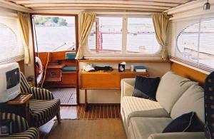 Classic Chris-Craft Cabin Cruiser, restored: 38 ft, 1951