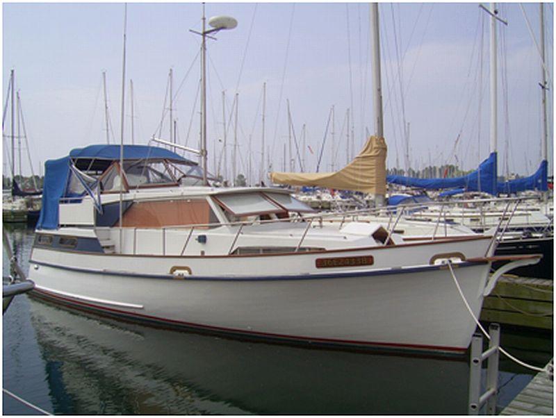 Tri cabin trawler: 29'