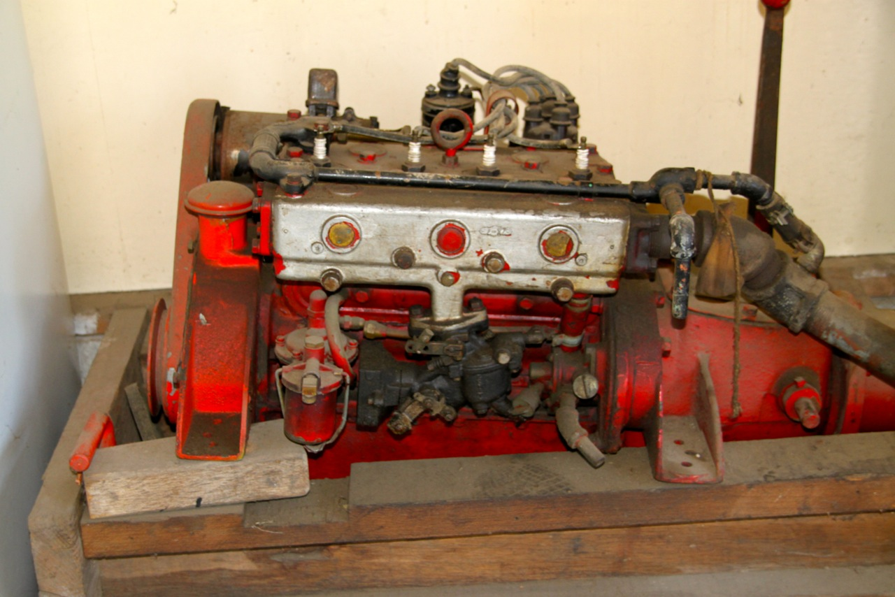Kermath 4 cyl. engine