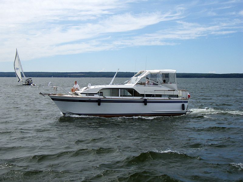 Chris-Craft cabin cruiser for sale: 38 ft  1970  Twin Chev