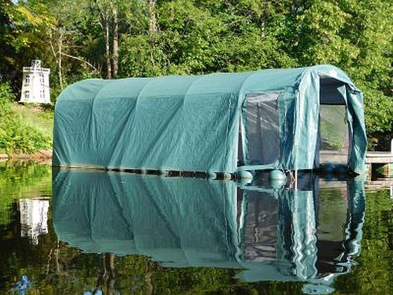 floating Boat House: 20 x 10
