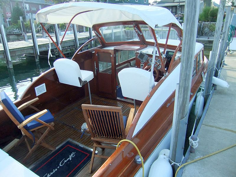 Chris-Craft Cabin Cruiser For Sale | Port Carling Boats