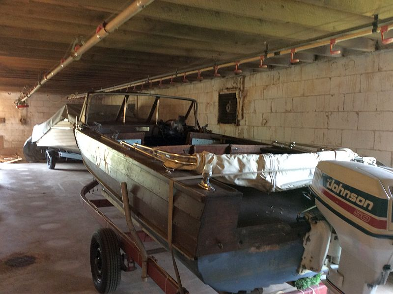 custom runabout: 18 ft., 1990